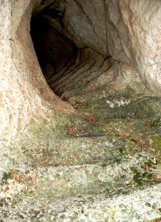 kaya mezarı şeytan basamaklari